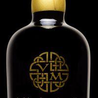 bruichladdich-19-front-valinch-and-mallet-single-malt-scotch-whiskyC2BCDA4A-CDC9-D624-855C-E549BE462E1C.jpg